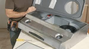 installer une hotte de cuisine l installation d une hotte en six é rénovation bricolage
