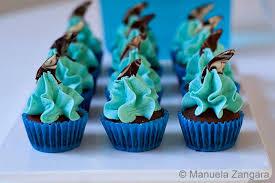and vanilla shark mini cupcakes