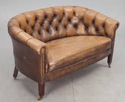 Small Leather Chesterfield Sofa 27 Best Chesterfield Images On Pinterest Chesterfield Furniture