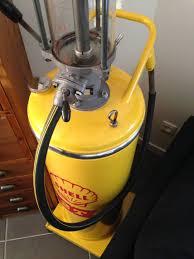 pompe a essence deco pompe à essence cuve shell x2t vintage les vieilles choses