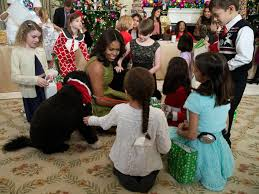 Christmas Decorations In White House by White House Welcomes Veterans For Holiday Decorations Unveiling