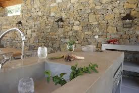 cuisine en beton evier en béton ciré cuisine d extérieur en béton ciré