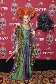 halloween party in new york city bette midler brings winifred sanderson back to life in epic u0027hocus