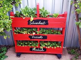 Planters On Wheels by Pallet Strawberry Planter 101 Pallet Ideas