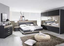chambre adultes compl鑼e chambre complète contemporaine gris chêne clair kora lestendances fr
