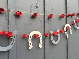 derby theme garland horseshoes u0026 roses paper horseshoes derby