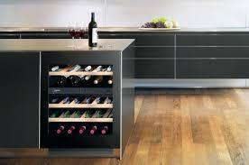 cuisine avec cave a vin liebherr uwt 1682 la nouvelle cave à vin encastrable avec ouverture