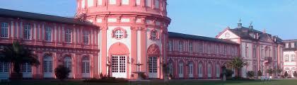Das Wohnzimmer Wiesbaden Biebrich Im Zentrum Wiesbaden Ferienwohnung 6 Ferienwohnungen Im Zentrum
