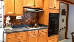 12 Kitchen Cabinet Eye Catching Whether To Use Knobs Or Pulls On Kitchen Cabinets