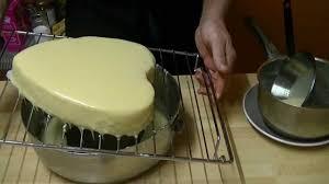 glacer en cuisine comment faire un glaçage au chocolat blanc technique de