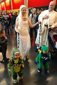 Daenerys Targaryen Costume 25 U0027game Of Thrones U0027 Halloween Costumes That Are Cheap And Diy