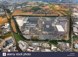 bmw factory robots bmw factory regensburg stock photos u0026 bmw factory regensburg stock