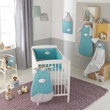 chambre bébé nuage chambre bebe theme nuage famille et bébé