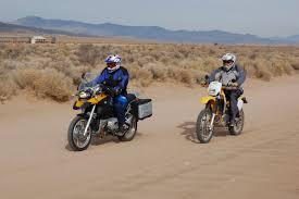 bmw sport motorcycle file dualsportbmw1200gs suzukidrz400 jpg wikimedia commons