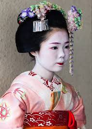 Geisha Hairstyles Maiko And Geisha How To Tell The Real From The Fake Moushifj
