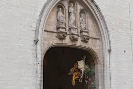 geoffroy mottart цветочные бороды и шевелюры на брюссельских памятниках архидея