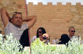 Barack And Michelle Obama U0027s by 100 Vacation Obama Here U0027s How Much The Obama Family