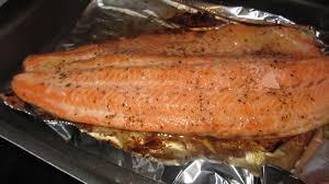 cuisiner filet de truite truite au four et sa sauce hollandaise nadou cook