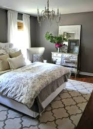weiße schlafzimmer stuhl schlafzimmer gestaltung schlafzimmer grau bett weisse
