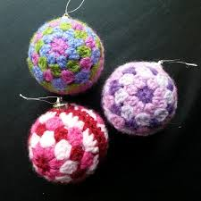 free crochet pattern bauble squareone for