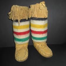 hudson bay s boots 212 best hudson bay blanket images on blankets