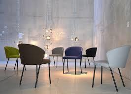 chaise accueil bureau chaise pour salle d attente salon accueil design et de qualité
