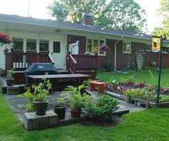 country styled landscaping ideas for small front yard design with