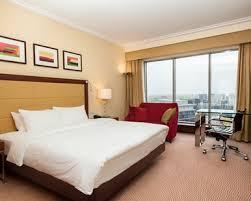 chambre king size lit king size dans la chambre king guest room de l hôtel