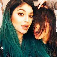 jenner hair extensions jenner changes hair extensions color to jet black twist