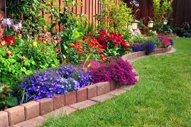 Small Garden Landscape Ideas Garden Designs For Small Gardens Small Garden Design Ideas A