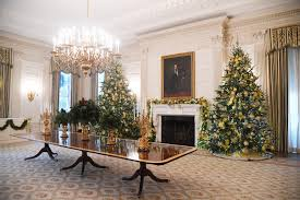 donald trump white house decor all eyes gallery dancing ballerinas help kick off christmas at