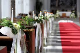 decoration eglise pour mariage décoration florale mariage église fleurs en image