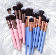 makeup brushes and then there s the real way here s how to effectively degunk and de grime your brushes when you don t want to spend hours doing