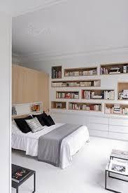 chambre sup ieure mezzanine chambre pont adamo lit avec un sommier à latt https