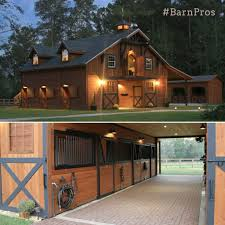 love this barn needs to be bigger for the horses on the ranch