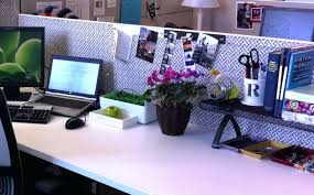 cute office decoroffice cubicle decoration idea holiday decorating