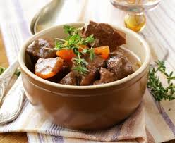 cuisiner la queue de boeuf mijoté de queue de boeuf et carottes recette de mijoté de queue de