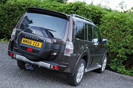 mitsubishi pajero old model mitsubishi shogun review and test drive tartan tarmac