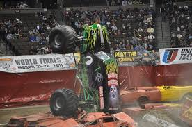 monster trucks grave digger bad to the bone monster jam wallpaper wallpapersafari