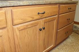 Where To Place Kitchen Cabinet Knobs Kitchen Cabinet Hardware Placement Pictures Home Design Ideas