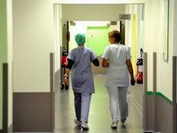 sedere di uomo morse il sedere di una paziente 17enne infermiere niguarda