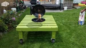 grill fire pit table made out of repurposed pallet u2022 1001 pallets