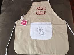 tablier cuisine pour enfant le tablier de cuisine enfant de chez bb co le de maman plume