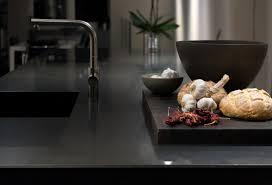 l essentiel de la cuisine par kitchenaid black is back le côté raffiné de la cuisine kitchenaid