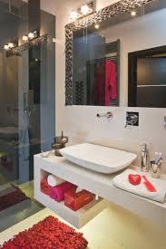 badezimmer rot hausdekoration und innenarchitektur ideen geräumiges badezimmer