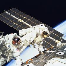 space shuttle astronaut free photo pack tools space shuttle spacewalk astronauts suit