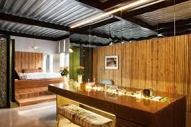 lambris pour cuisine design interieur béton ciré plan travail cuisine plafond aluminium