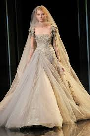 winter wedding dresses 2010 autumnal wedding gown by elie saab it looks like something a