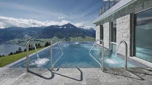 hotel en suisse avec dans la chambre les 10 plus belles piscines d hôtel du monde cnewsmatin fr