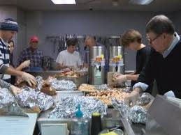 volunteers prepare meals for salvation army thanksgiving wway tv3